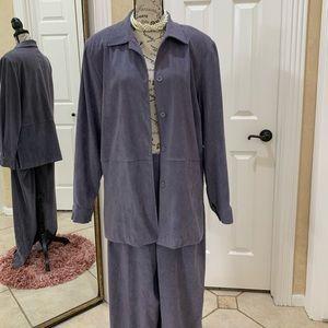 Courtenay 2 piece Ladies Suit (10)